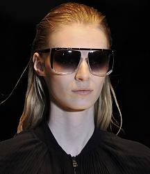 Уместно - ли носить солнцезащитные очки поздней осенью?-1381925080_sunglasses-12-jpg