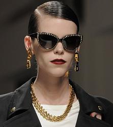 Уместно - ли носить солнцезащитные очки поздней осенью?-1381925123_sunglasses-20-jpg