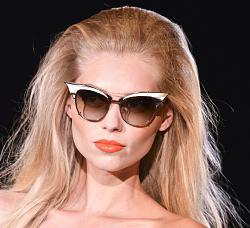 Уместно - ли носить солнцезащитные очки поздней осенью?-1381925129_sunglasses-08-jpg