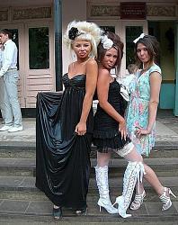 Ультракороткое платье кислотного цвета на выпускном вечере.-21-jpg