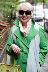 Яркие цвета в одежде - дань моде или полное отсутствие вкуса?-7438c2718ff43e5d8fdb3c4da7269b9f_m1-jpg