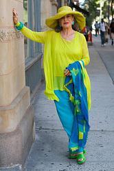 Яркие цвета в одежде - дань моде или полное отсутствие вкуса?-original-jpg
