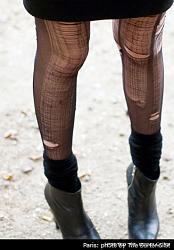 Порванные колготки как элемент стиля-1250440439_ripped-stockings9-jpg