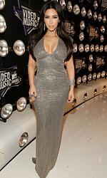 Декольте при большой груди - всегда безвкусно?-kim-kardashian-2011-mtv-vmas-05-jpg