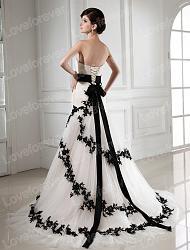 Чёрное свадебное платье - безвкусица или вызов?-542577346_902-jpg