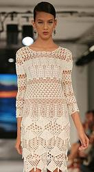 Тренд сезона - вязаные платья от John Galliano и Valentino-13398152_16478nothumb650-jpg