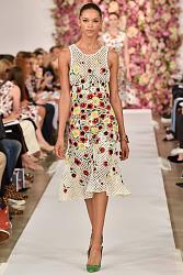 Тренд сезона - вязаные платья от John Galliano и Valentino-c442cd320945d291061e7c1d8275d9d4_768_1152-jpg
