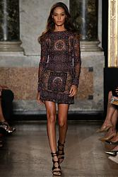 Тренд сезона - вязаные платья от John Galliano и Valentino-emilio-pucci-2015-spring-summer-runway17-jpg