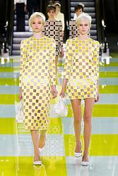 В этом сезоне не модны тусклые наряды-16_1360064938_fashion_prints_spring_summer_2013_22-jpg