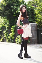 Как вы относитесь к лоферам, оксфордам, монкам и другой обуви подобного типа?-black-striped-asos-tights-ruby-red-monki-bag-black-monki-wedges-jpg