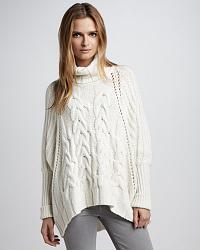 С чем носить свитера крупной вязки?-modnij-sviter-2013-2-jpg
