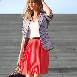 С чем носить плиссированную шерстяную юбку-s-chem-nosit-plissirovannuyu-yubku-vyglyadim-modno-i-stilno-1-jpg