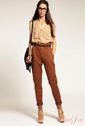 С чем носить коричневые брюки-women-chinos-4-jpg