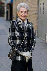 Стиль пожилой женщины. Как подобрать вещи?-kak-odevatsya-v-60-3-jpg