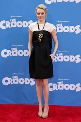 Блейк Лайвли в коротком бордовом платье-jemma-1-jpg