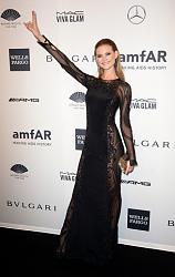 amfAR New York Gala 2014-behati-prinslu-jpg