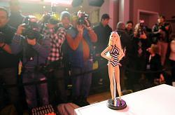 """Вечеринка в честь 50-летия журнала «Illustrated Swimsuit""""-barbi-1-jpg"""