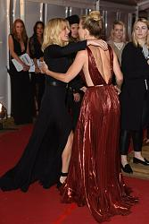 Платья Glamour Women Of The Year Awards 2015-keit-hadson-6-jpg