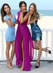 Адриана Лима, Бехати Принслу и Лили Олдридж на пляжной вечеринке-pink-carpet-party-jpg