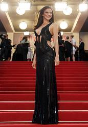 Канны-2013: Ирина Шейк показала сверхоткровенное декольте-irina-sheik-5-jpg