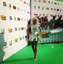 Премия Муз-ТВ:Экс-солистки «ВИА Гры» поразили своими нарядами-premiya-muz-tv-4-jpg