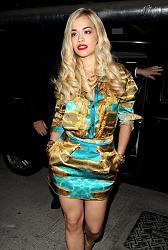 Рита Ора в ярком мини-платье-rita-ora-2-jpg