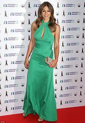 Лиз Херли в изумрудном платье от ISSA-liz-herli-jpg