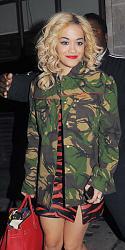 Рита Ора в наряде от Alex Vauthier с юбкой из перьев-rita-ora-camo-jpg