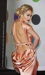 Рита Ора в наряде от Alex Vauthier с юбкой из перьев-rita-ora-brit-awards-2013-07-560x929-jpg