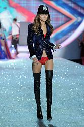 Victoria's Secret Fashion Show 2013-victorias-secret-fashion-show-2013-9-jpg