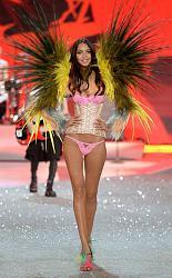 Victoria's Secret Fashion Show 2013 - «Райские птицы»-victorias-secret-fashion-show-2013-11-jpg