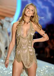 Victoria's Secret Fashion Show 2013 - Кораблекрушение-victorias-secret-fashion-show-2013-1-jpg