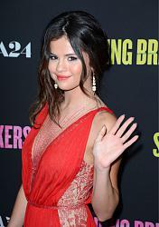 Селена Гомес в красном платье-selena-gomes-krasnom-plate-3-jpg