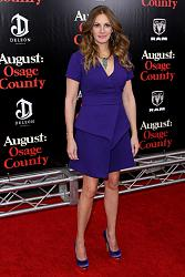 "Джулия Робертс на премьере фильма ""Август: Графство Осейдж"" (2013) в Нью-Йорке-dzhulija-roberts-7-jpg"