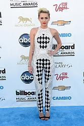 Выбираем лучший наряд Billboard Music Awards-2013-billboard-music-awards-2013-2-jpg