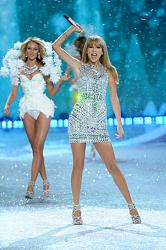 Victoria's Secret Fashion Show 2013 - Снежные ангелы-victorias-secret-fashion-show-2013-13-jpg
